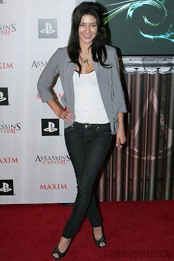 http://lh4.ggpht.com/_gniLlZkylI8/Swf-1NB8vpI/AAAAAAAACFk/NIheMt-I2FY/34188_celebrity-paradise.com-The_Elder-Jessica_Szohr_2009-11-11_-_Assassins_Creed_II_Launch_Party_095_122_628lo.jpg
