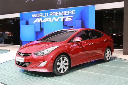 2011-Hyundai-Elantra-16.JPG