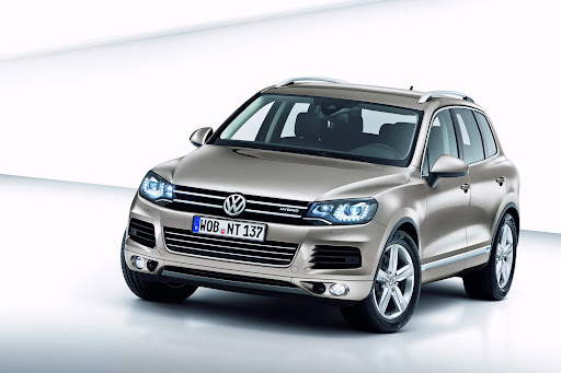 2011-Volkswagen-Touareg-1.jpg