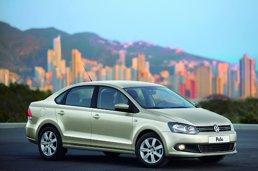 2010-Volkswagen-Polo-Sedan-1.jpg