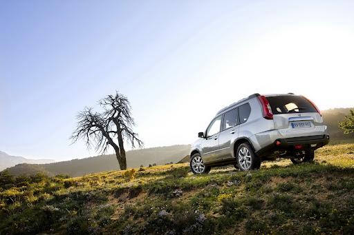 2010-Nissan-X-Trail-9.JPG