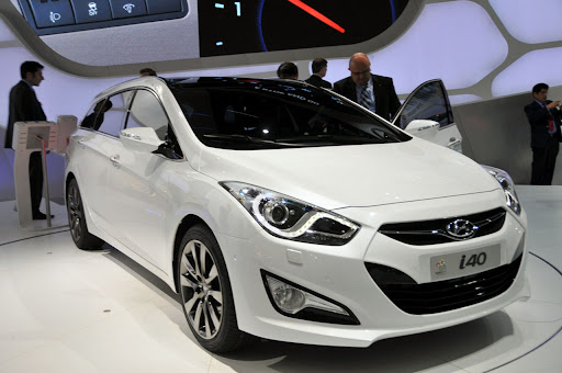 2011-Hyundai-i40-3.jpg