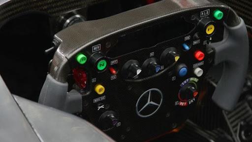 Formula1-Sterring-Wheel-05.jpg