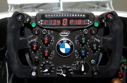 Formula1-Sterring-Wheel-02.jpg