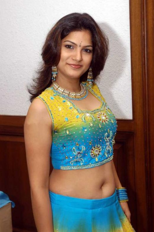 TV Actress Tharika navel show: Tamil masala gallery | HoT ...