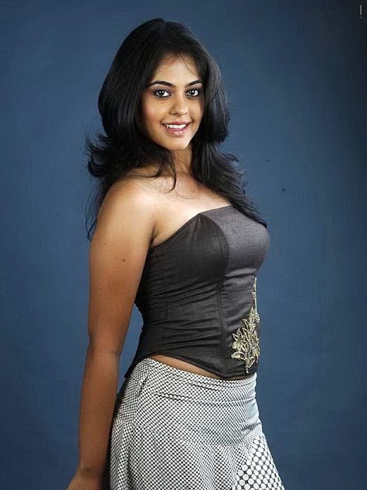 girl bindhu madhavi photo gallery