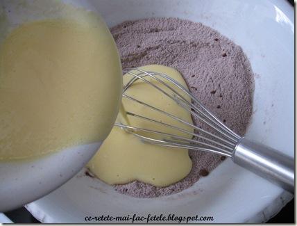 Tort Suprem de Ciocolată - pregatim aluatul