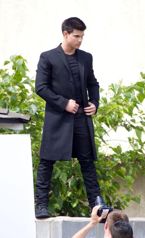 El blog de la TV: Taylor Lautner totalmente negro!