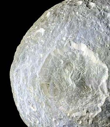 cratera Herschel em Mimas