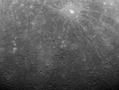 imagem obtida de Mercúrio pela sonda Messenger