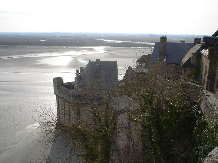 567iotyjfgdc Charming Mont Saint Michel