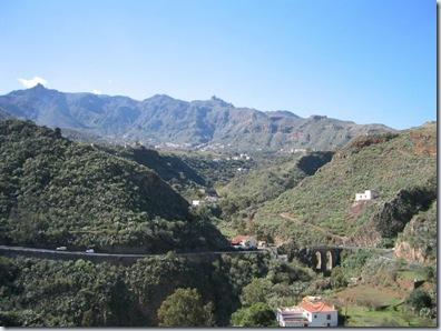vistas de la caldera de tenteniguada desde la calle el sol_640x480
