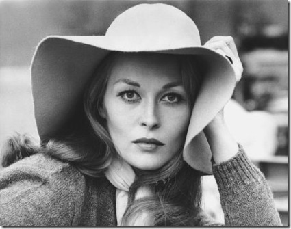 Faye-Dunaway-in-PUZZLE-OF-A-DOWNFALL-CHILD