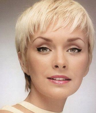 Modern 2010 pixie hairstyle trends