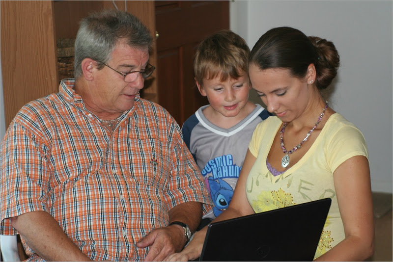 Uncle Lester, Simon & Erin...Erin was really popular with her laptop