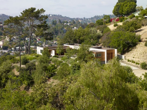 Sustainable Residence, the Hidden House in LA