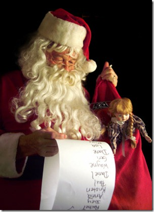 santa_claus_a_christmas_present