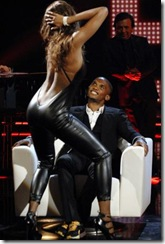 Etoo al Chiambretti Night assiste al sexy spogliarello della modella e showgirl venezuelana Ainett Stephens (Merone - Infophoto)