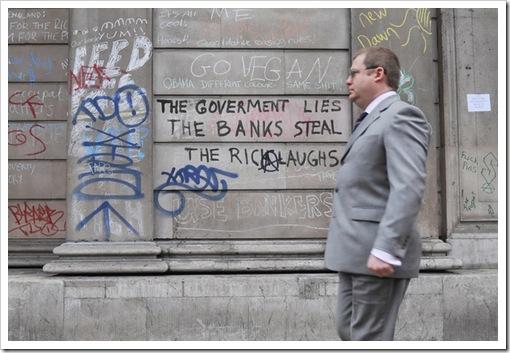 banche rapinano_rubano_cittadini1