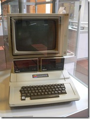 450px-Apple-II
