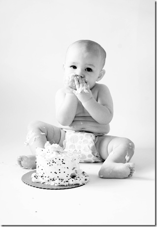 cake 5 black and white