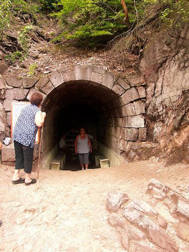 a Torjai-Büdös kénes-barlang...