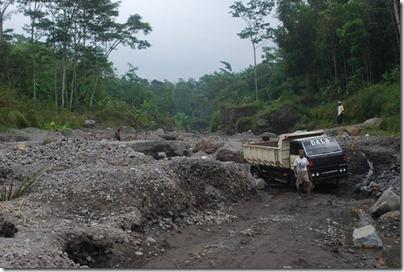 15. Tambang Pasir Kali Gendol