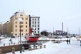 Заснеженный канал в Хельсинки
