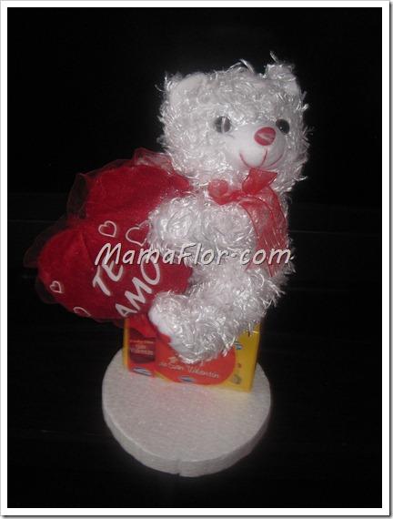 Como decorar caja bombones y chocolates con un oso de peluche