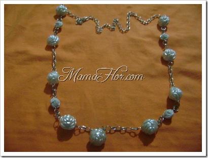 Collar hecho a base de cadena y perlones
