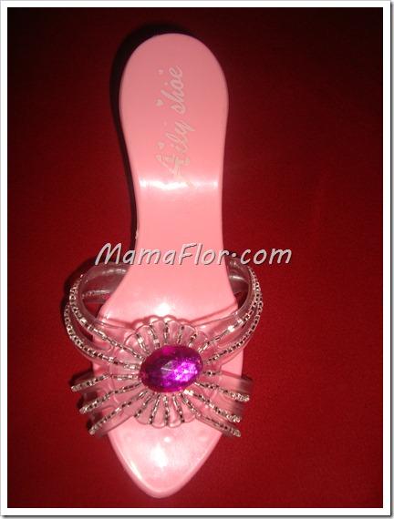 Como decorar sandalias con canutillo y gemas