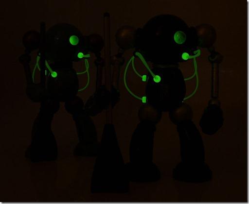 mikeslobot_SUPbot_both_glow