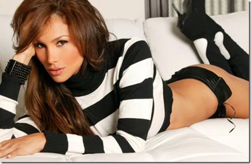 Patricia De Leon Bikini Pictures