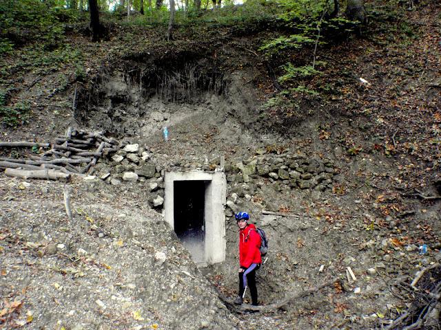 вхід у печеру Вітрова
