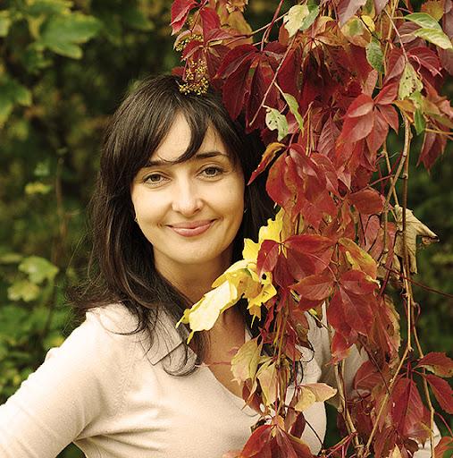 осень красные листья девушка белая церковь fall autumn red leaves boy