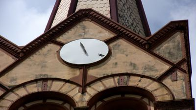 07-church-clock.jpg