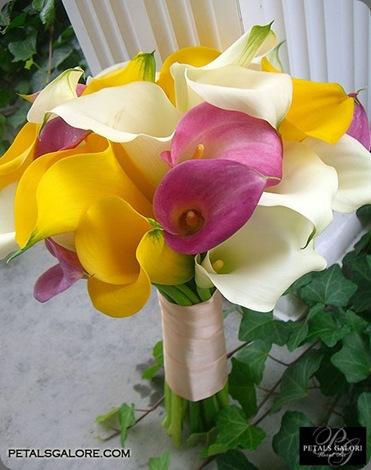 bouquet-215-lg petals galore