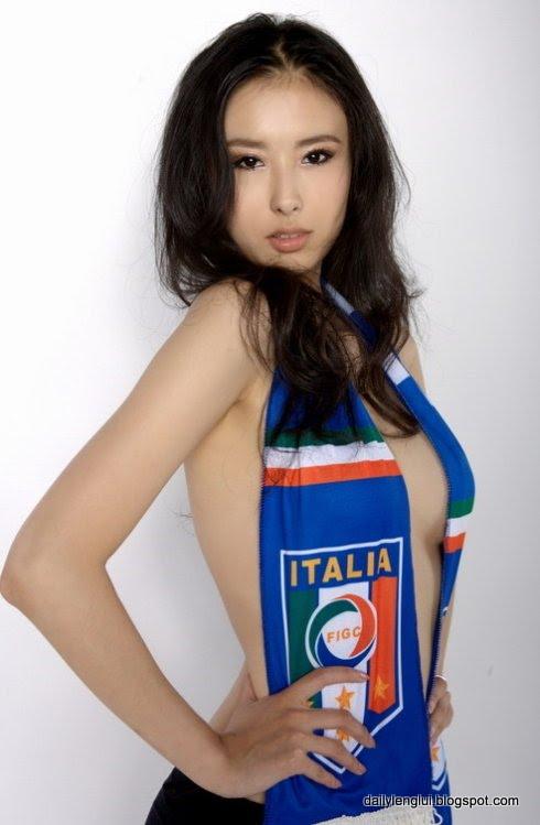 Zhai Ling (翟凌) Shou Shou (兽兽)