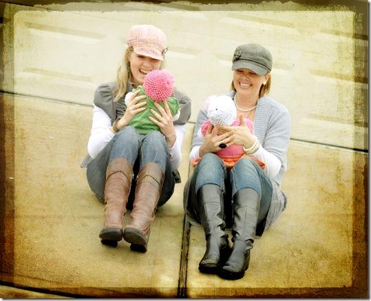 us holding girls