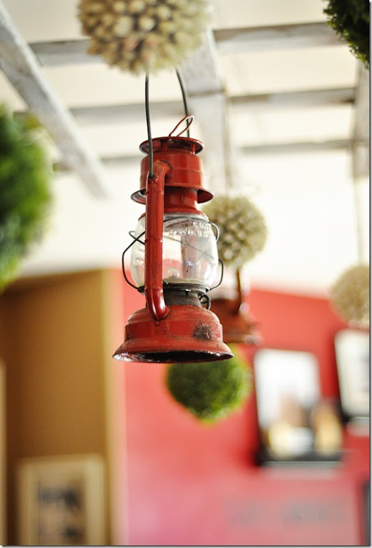 Trellis Red Lantern