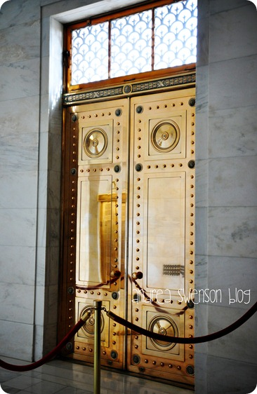 bronze doors cr