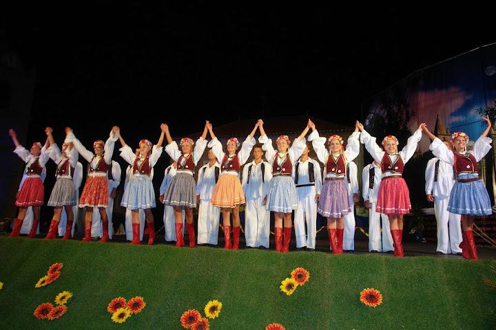 """Sérvia - Kud """"PKB"""" Folklore Ensemble"""