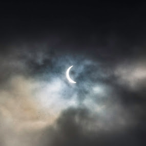 Solar eclipse by Benny Høynes - Landscapes Weather ( canon, snow, solareclipse, sun, norway )