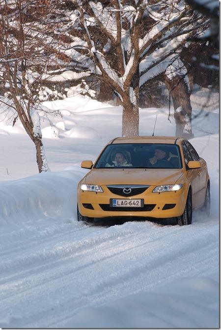 helmikuu 21. 2010 15 astetta kova tuuli lumisadetta 044