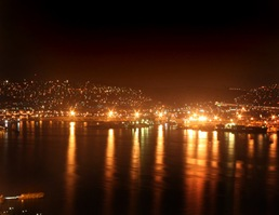 Izmir_night_shot_by_TubeScreamer