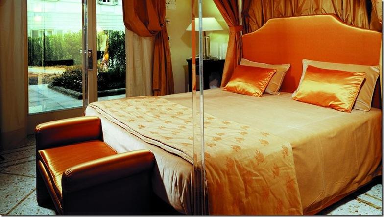 orangebedroom