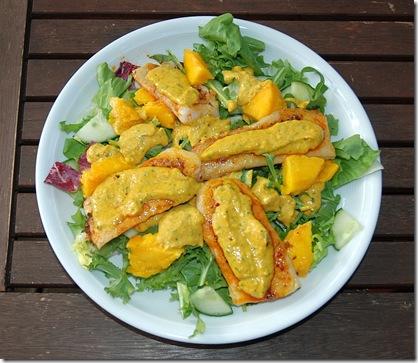 Pangasius-Mango Salast mit Curry Sauce