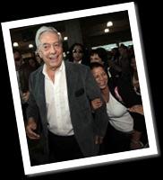 Retienen a Vargas Llosa en aeropuerto de Venezuela