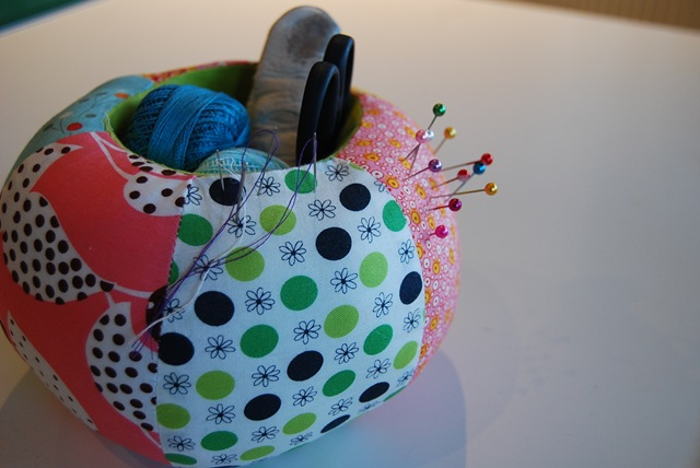 Pin cushion caddy (2)
