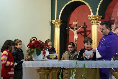 Misa de niños los Domingos a las 12 del mediodía